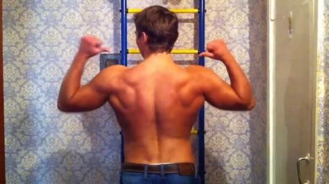 накачать мышцы дома