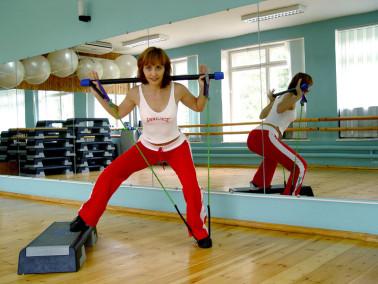 Можно ли увеличить грудь тренировками
