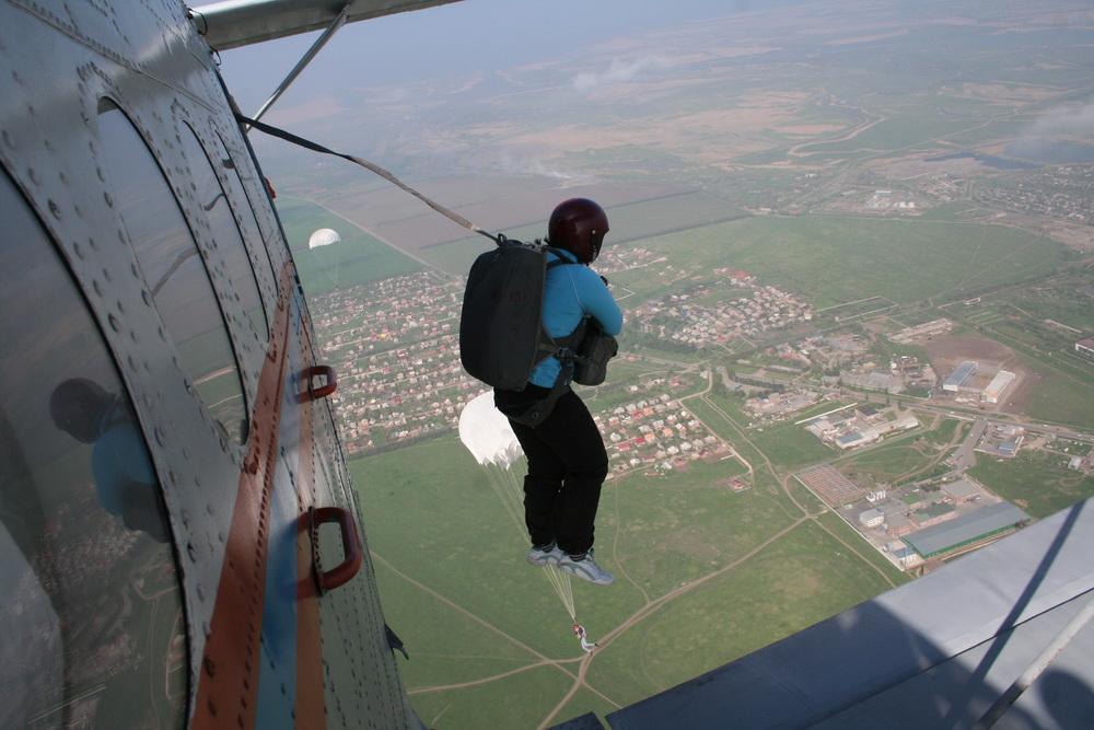 Прыжки с парашютом: факты и вымысел