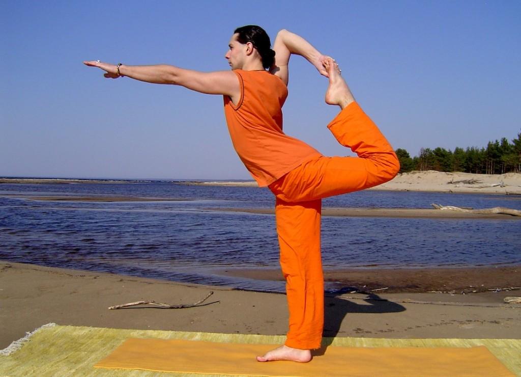 Запас энергии – 10 правил йоги