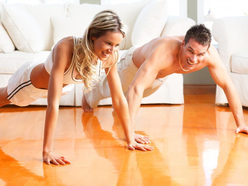 Фитнес тренировки для женщин в домашних условиях