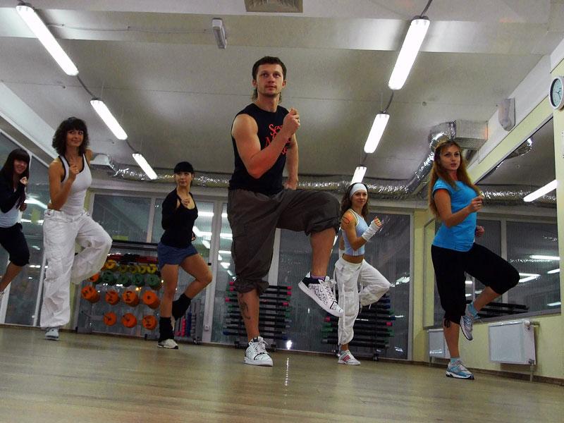 Танцевальный фитнес – легкий вид спортивного воздействия